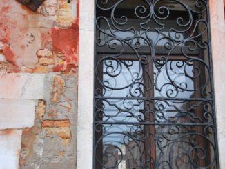 Italy, Venice – another window, Nov. 2012