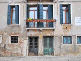 Italy, Venice – windows and doors, Nov. 2012