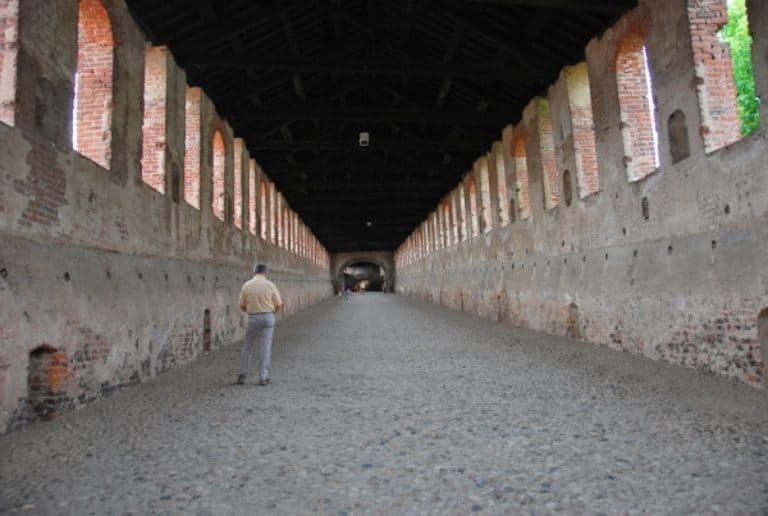 Corridor where horses can run