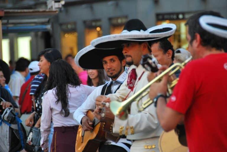 L'affollata Puerta del Sol
