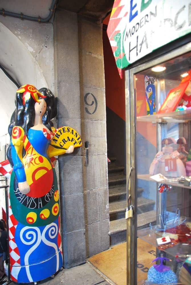 Un negozio d'artigianato molto carino
