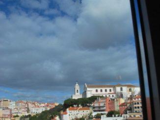 Camera con vista a Lisbona