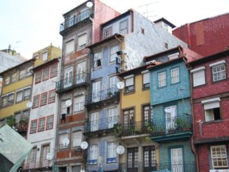 Portugal, Oporto – colourful houses, 2009