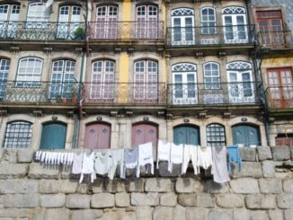 Portugal, Oporto – washing, 2009