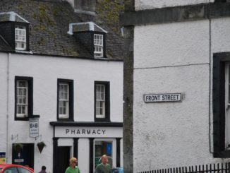 Scotland, Inveraray – white walls, 2010
