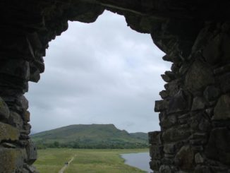 Scotland, Kilchurn Castle – looking through the wall 2010