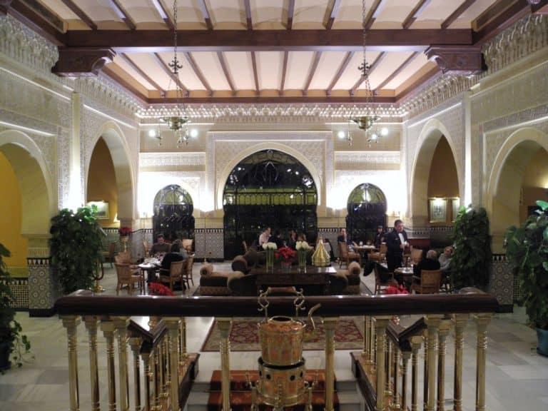 ちょっとけばかったグラナダのホテル