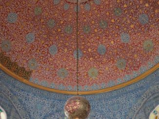 Turkey, Istanbul – red ceiling, Aug. 2012
