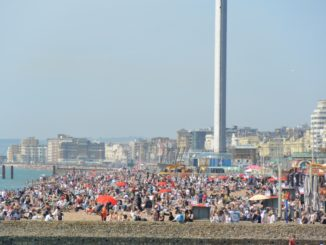 beach – many people, May 2016