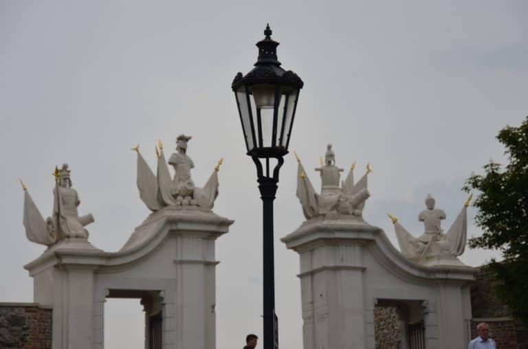 城ー街灯 2016年5月 (ブラチスラバ)