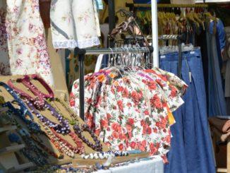 market – clothes, July2016