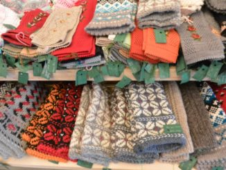 market – mittens, July2016