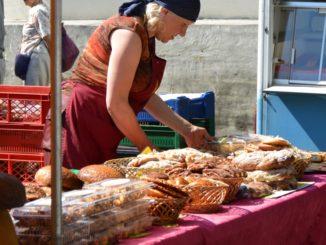 market – bread, July2016
