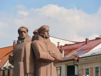 town – communist statue, July 2016