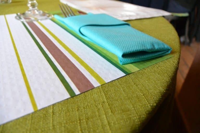 restaurant – colour scheme, Mar.2015 (Chartres)