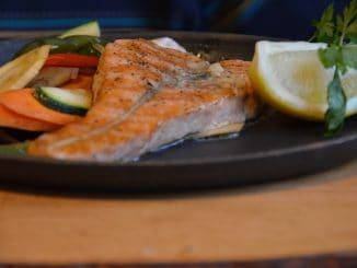 グダニスクのレストランで食べた鮭