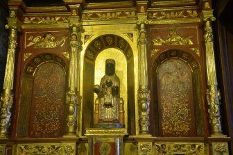Interno chiesa di Bogota'