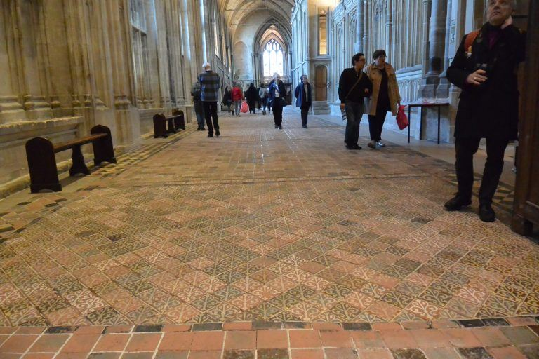 Winchester, cathedral – floor, Mar.2017 (Winchester)