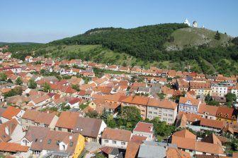 城と墓地と眺め