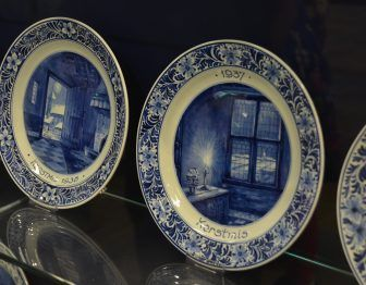 Delft, Royal Delft – cupboard, June 2017