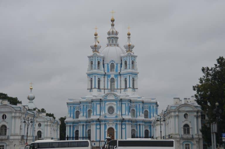 Inizia la visita di San Pietroburgo