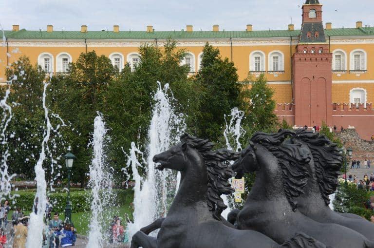 モスクワのクレムリン周辺を散歩