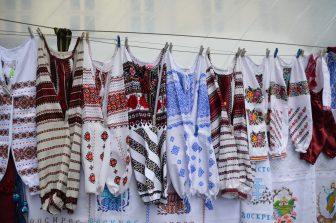 ucraina-lviv-bluse-ricamate-mano