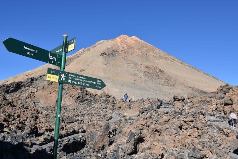 Salendo sul Monte Teide a Tenerife