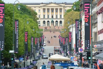 Norway-Oslo-royal palace-bottom of the street