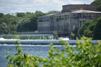 Canada-Niagara-power station-old-river