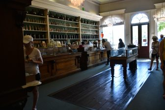 Canada-Niagara on the Lake-old-pharmacy-museum