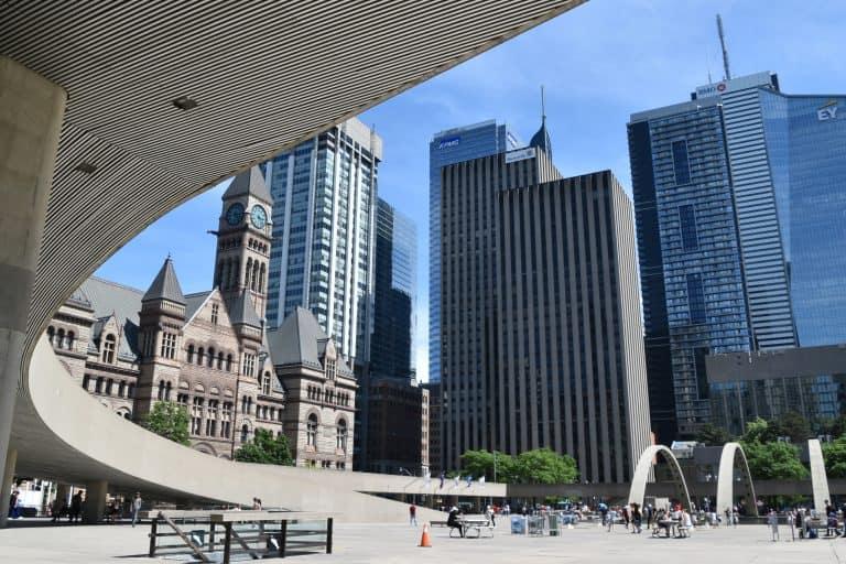 Una passeggiata nel distretto finanziario di Toronto