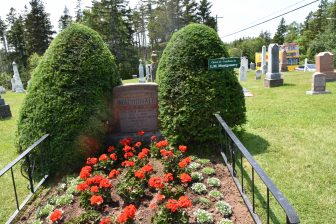 Canada-Prince Edward Island-Lucy Maud Montgomery-grave-flowers-cemetery