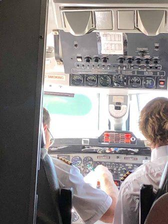 カナダ プリンス・エドワード島 小さなプロペラ機 操縦室
