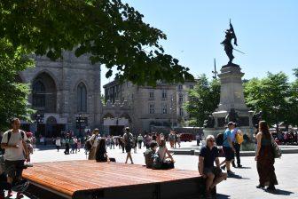 Canada-Montreal-PLace d'Armes-people-statue of Paul Chomedey de Maisonneuve