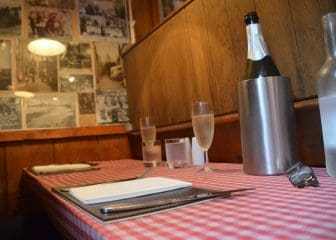 England-Cornwall-St-Ives-ristorante-Mermaid-tavolo
