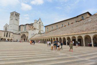 Italy-Umbria-Assisi-Basilica of San Francesco-square-stripe-people