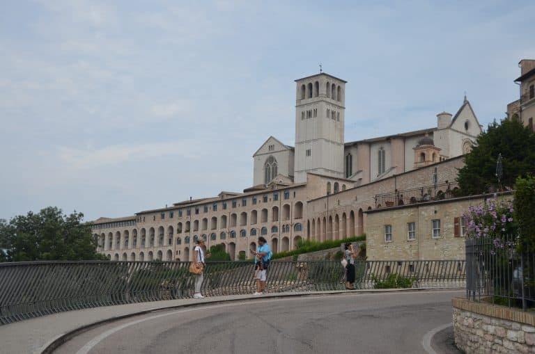 アッシジの聖フランチェスコ大聖堂へ
