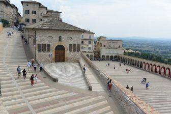 Italia-Umbria-Assisi-Basilica-San-Francesco-panorama