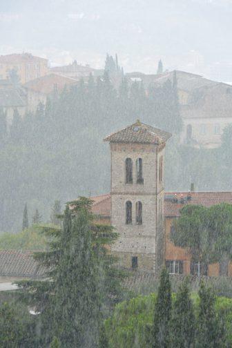 Italy-Umbria-Perugia-Porta S. Angelo-view-rain-tower-houses