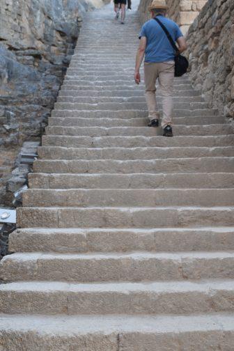ギリシャ ロドス島 リンドス アクロポリス 中世の階段