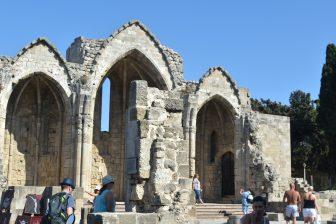 Grecia-città-vecchia-rodi-rovine-chiesa-cattolica