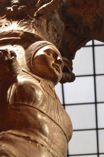 Spain-Zaragoza-Patio de la Infanta-pillar-detail-sculpture