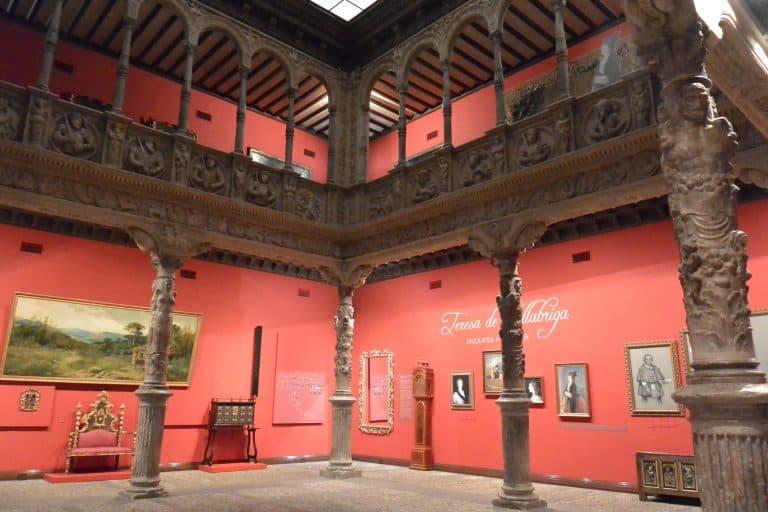 Il Patio de la Infanta in una banca a Saragozza