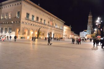 Spain-Zaragoza-Plaza del Pilar-night-people