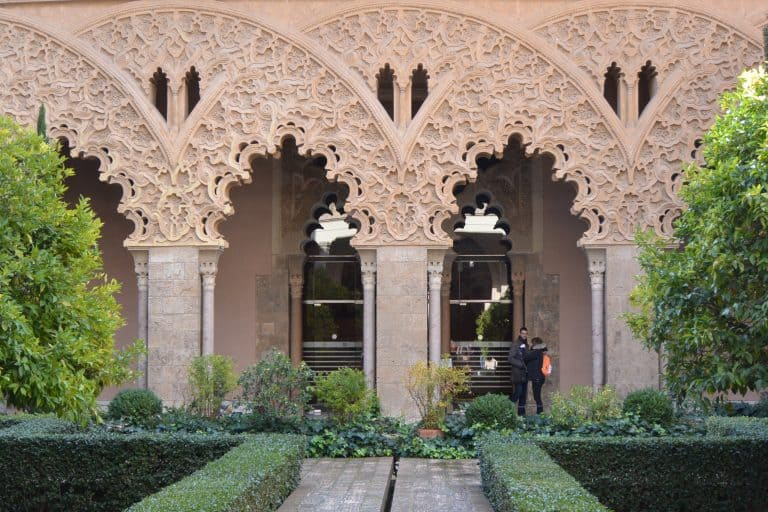 サラゴサにあるゴージャスなアルハフェリア宮殿