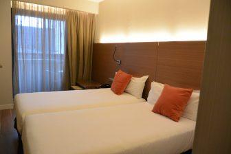 Spain-Zaragoza-hotel-Vincci Zaragoza Zentro-bedroom