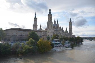 the huge church in Zaragoza