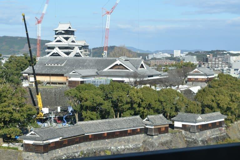 Il Castello di Kumamoto visto da lontano.