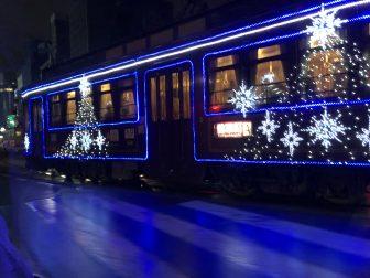 日本 九州 熊本市 市電 クリスマス デコレーション